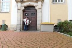 Udo vor dem Tor